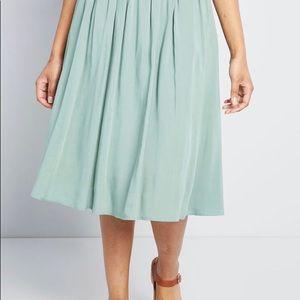 NWOT ModCloth Mint Green Pocketed Midi Skirt